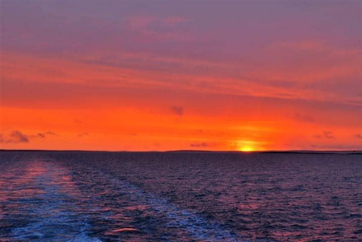 Auf der Nordwestpassage: Sonnenuntergang über der Simpson Strait
