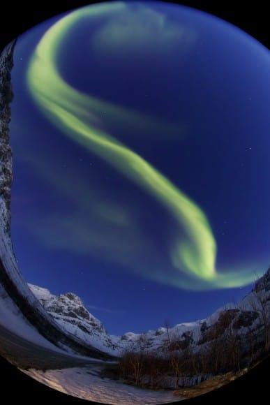 Aurora im Nachthimmel