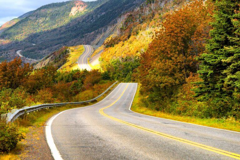 Ein besonderes Erlebnis, eine Fahrt auf dem Cabot Trail im Herbst. Foto katy89 / Deposit