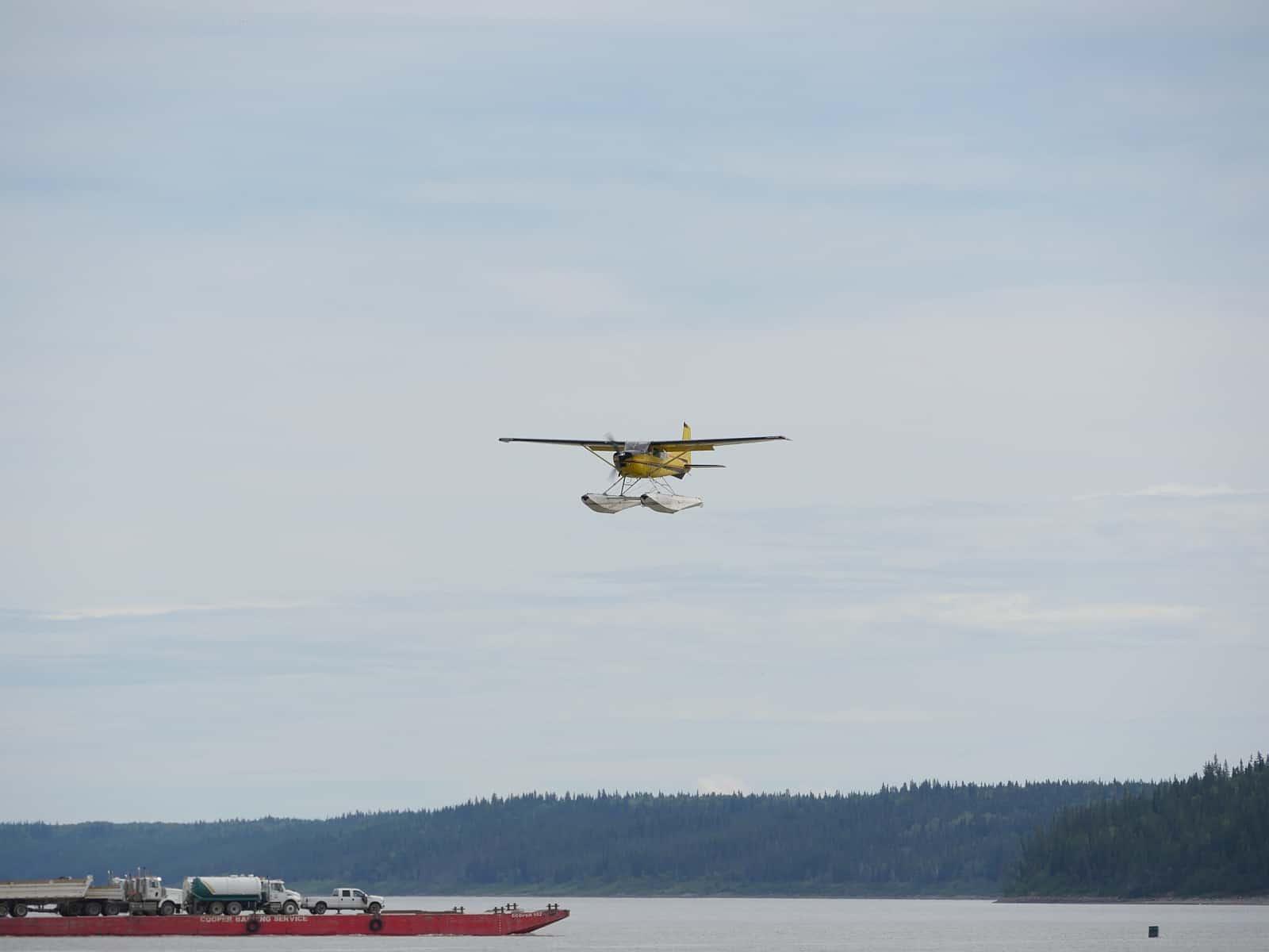 Der Mackenzie River ist Transportweg, Landeplatz für Wasserflugzeuge und ein Paradies für Kanu- und Kajaksportler. Foto Alfred Pradel