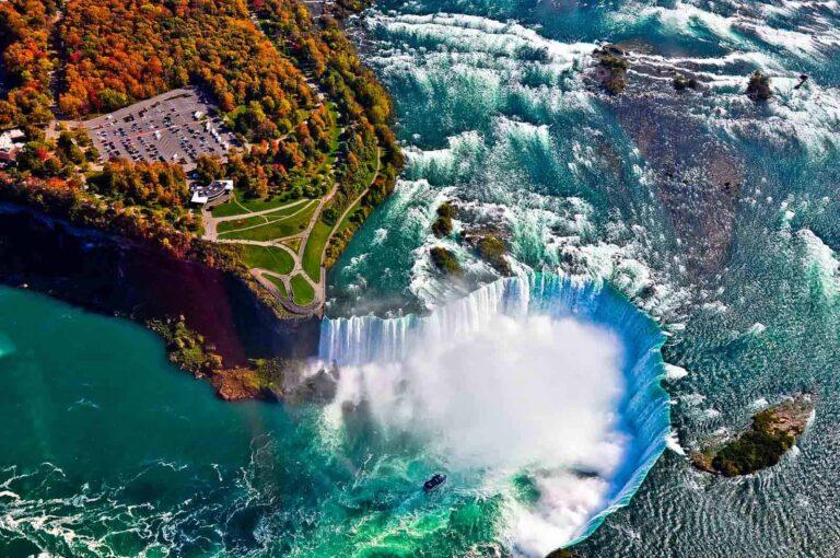 Die Horseshoe Falls, die größten der drei die Niagara Fälle bildenden Wasserfälle des Niagara River. Foto surangastock / Deposit