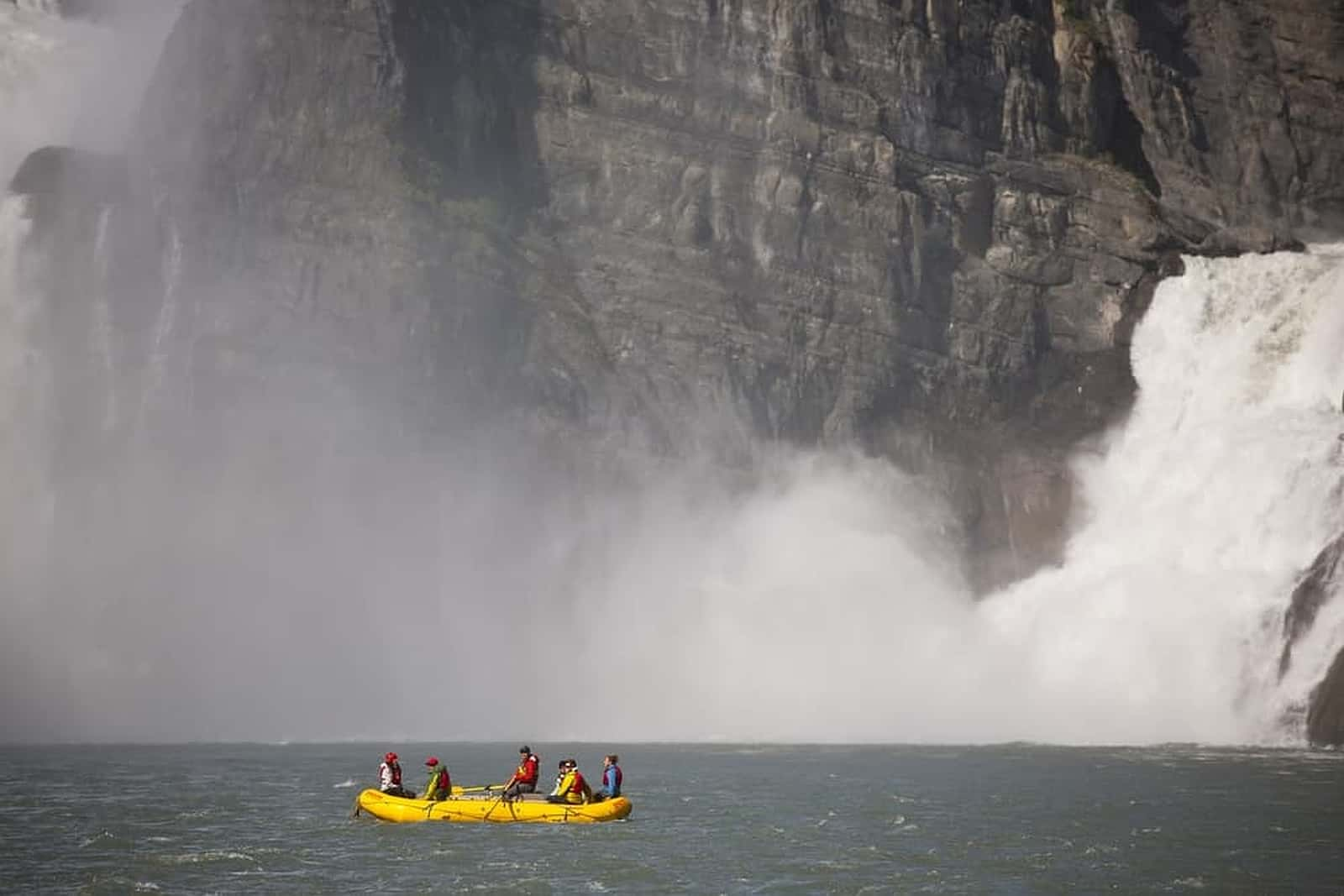 Canadian River Expeditions und Nahanni River Adventures, Nahanni National Park Reserve – Foto Canadian Tourism Commission