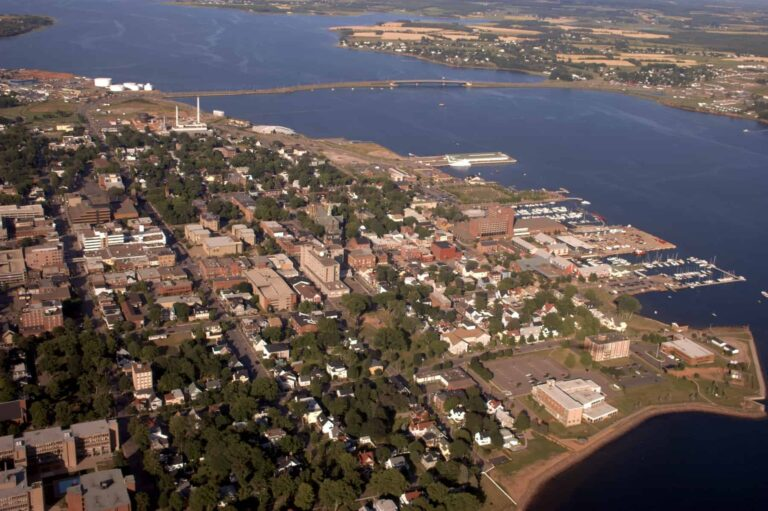 Charlottetown aerial photo - Martin Cathrae / https://creativecommons.org/licenses/by-sa/2.0/deed.en