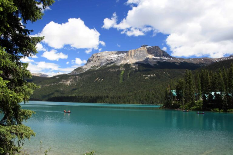 Emerald Lake, Yoho National Park - Foto HylgeriaK - https://creativecommons.org/licenses/by-sa/3.0/