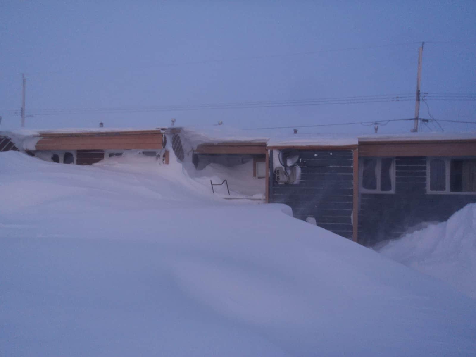 Vor dem Schneesturm ist nach dem Schneesturm: Blizzard in Manitoba ...