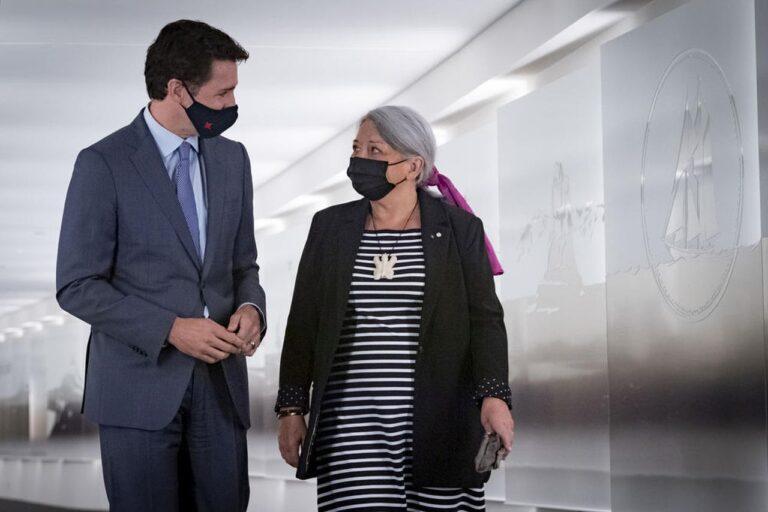 Auf der Grundlage seiner Empfehlung gab Premierminister Justin Trudeau bekannt, dass Ihre Majestät Königin Elisabeth II. die Ernennung von Frau Mary Simon zur nächsten Generalgouverneurin von Kanada genehmigt hat. Foto Sgt Johanie Maheu, Rideau Hall © OSGG, 2021