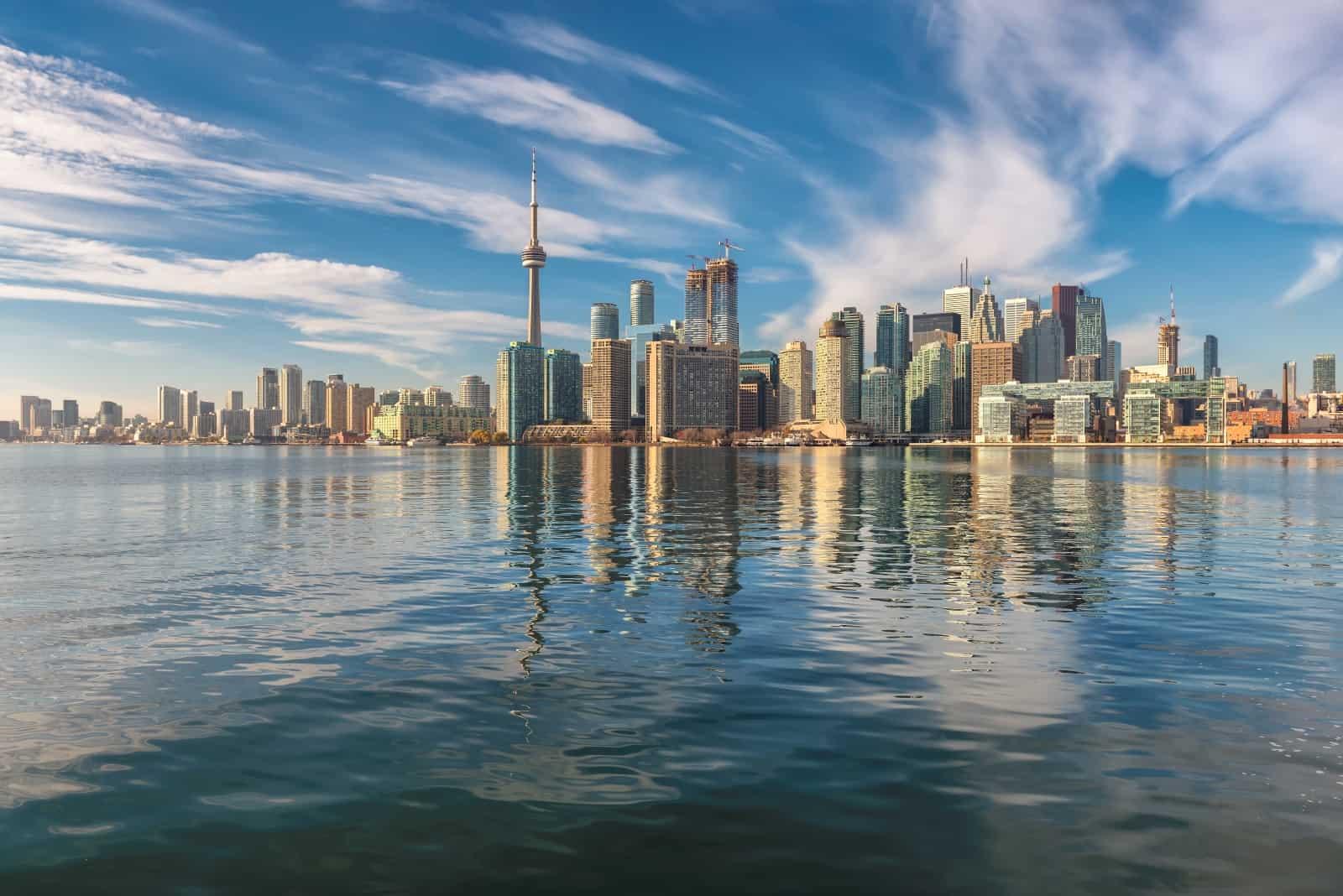 Toronto vom Ontariosee aus gesehen Foto lucky-photographer