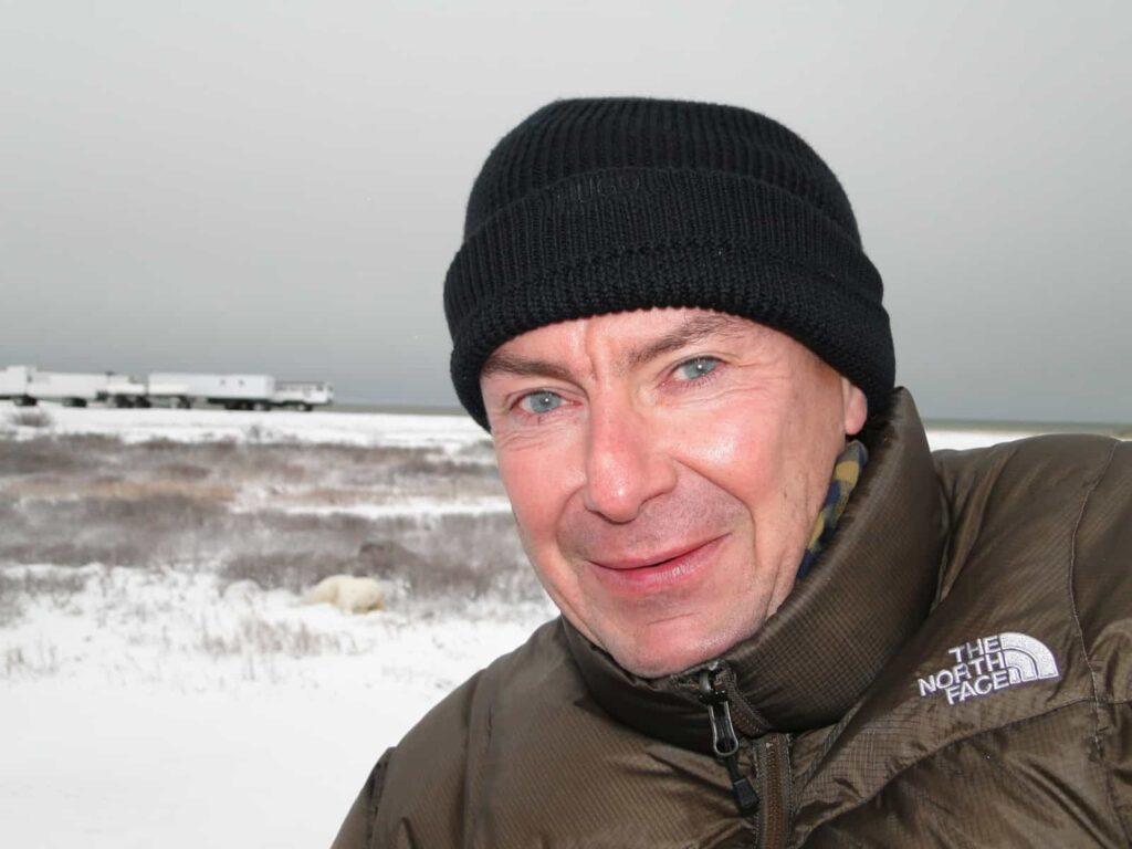 Regelmäßig findet man Thomas Lehr vor Ort in Kanada. Für seine Reisekunden nur das Beste, davon überzeugt er sich direkt an den Orten des Geschehens wie hier an der Hudson Bay.