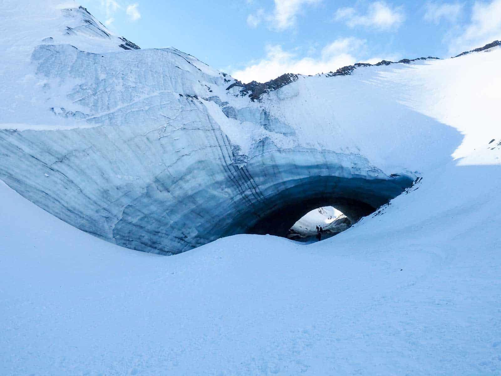 Eishoehle? Eistunnel? Der erste Anblick ist jedenfalls atemberaubend. Foto Faszination Kanada