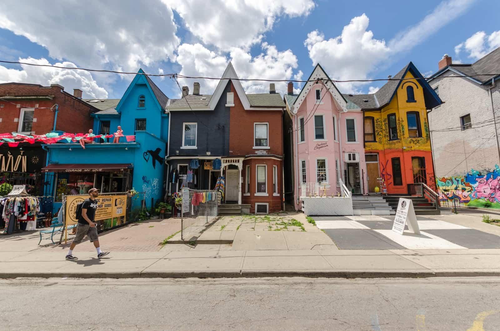 Kensington Avenue und Kensigton Market in Toronto. Foto Mbruxelle