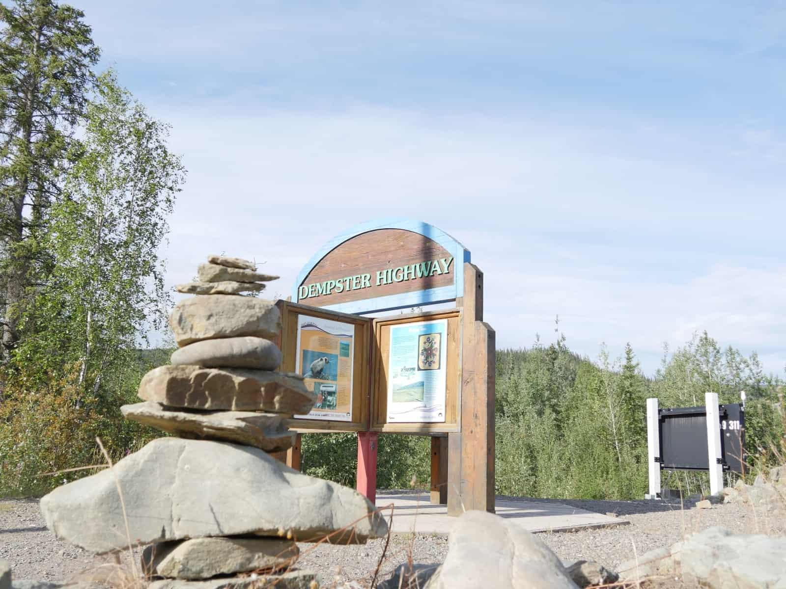 Ein Highway, dessen Namen jedem Fan des arktischen Nordens auf der Zuge zergeht. Dempster Highway. Foto FasziKa