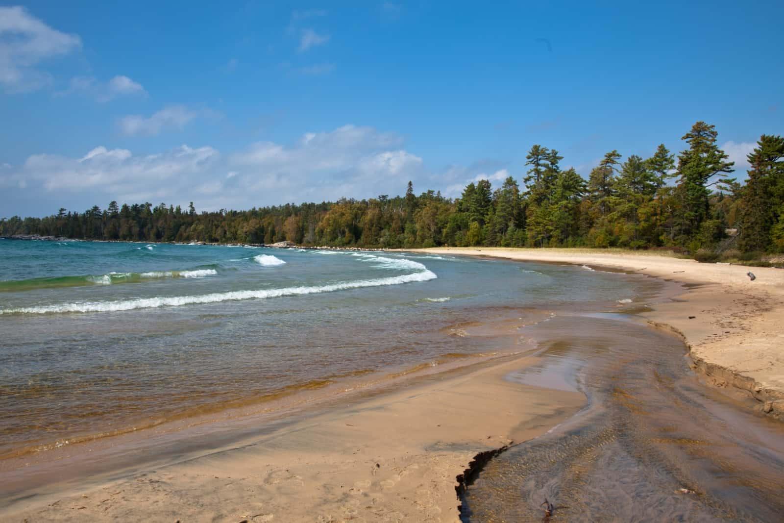 Sandy Beach am Lake Superior, wie der Obere See im Englischen heisst. Foto Viktorus/BigStock