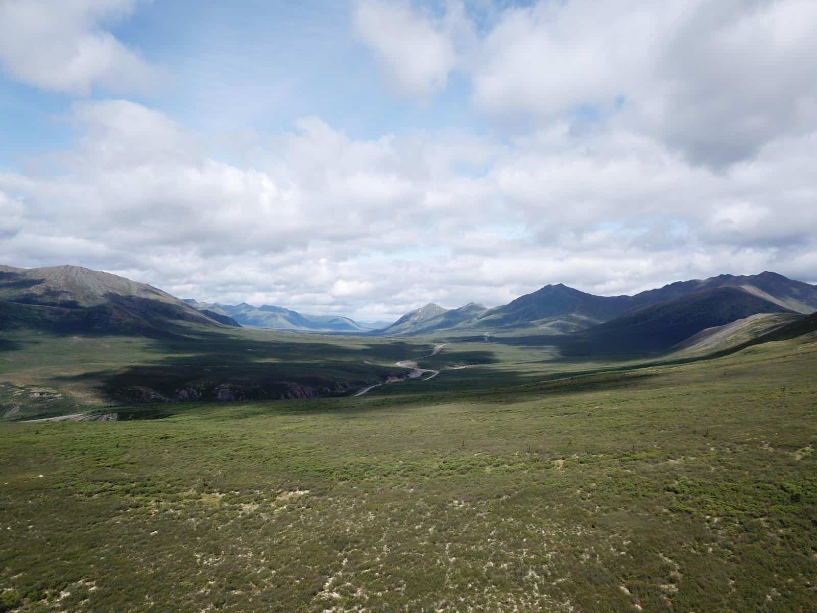 Dempster Highway in den Tombstone Mountains