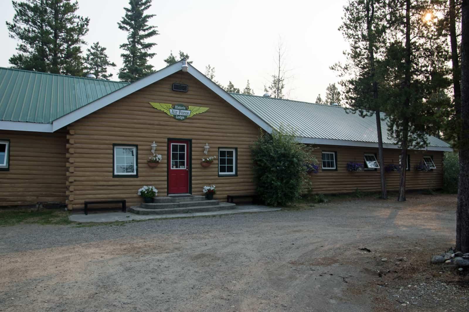 Die historische und legendäre Airforce Lodge in Watson Lake. Foto Daniela Ganz