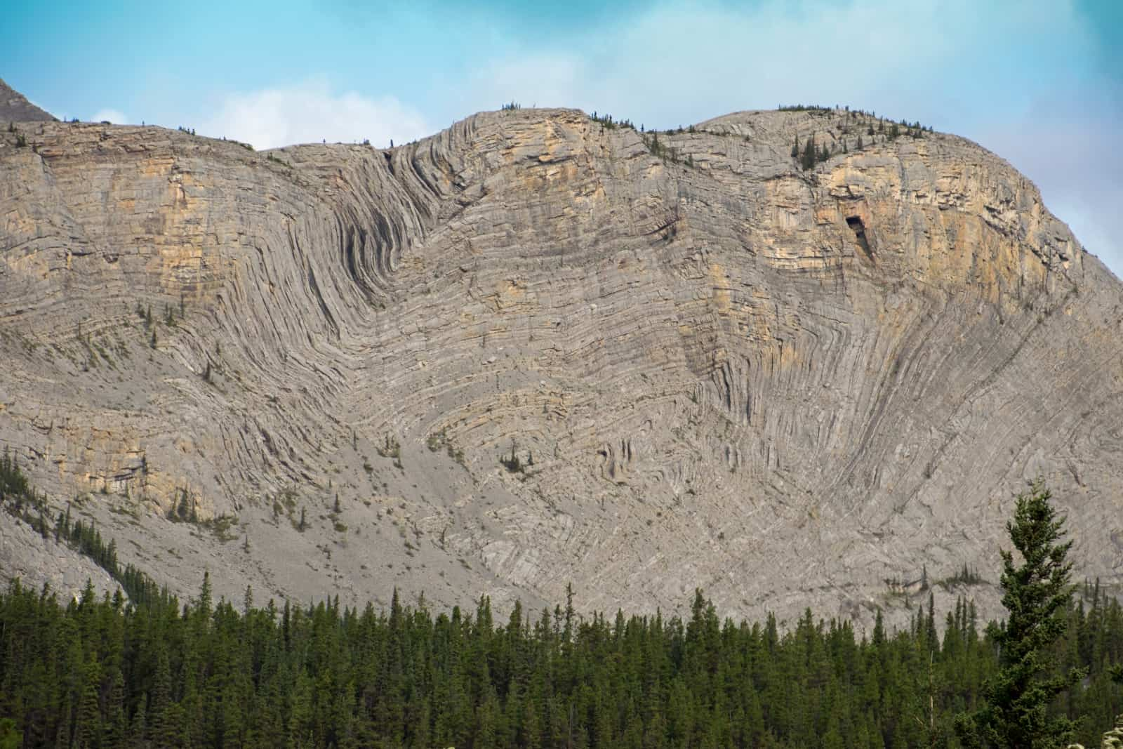 Welch unglaublichen Kräfte haben hier gewirkt. Die Folded Mountains in Northern BC. Foto Daniela Ganz