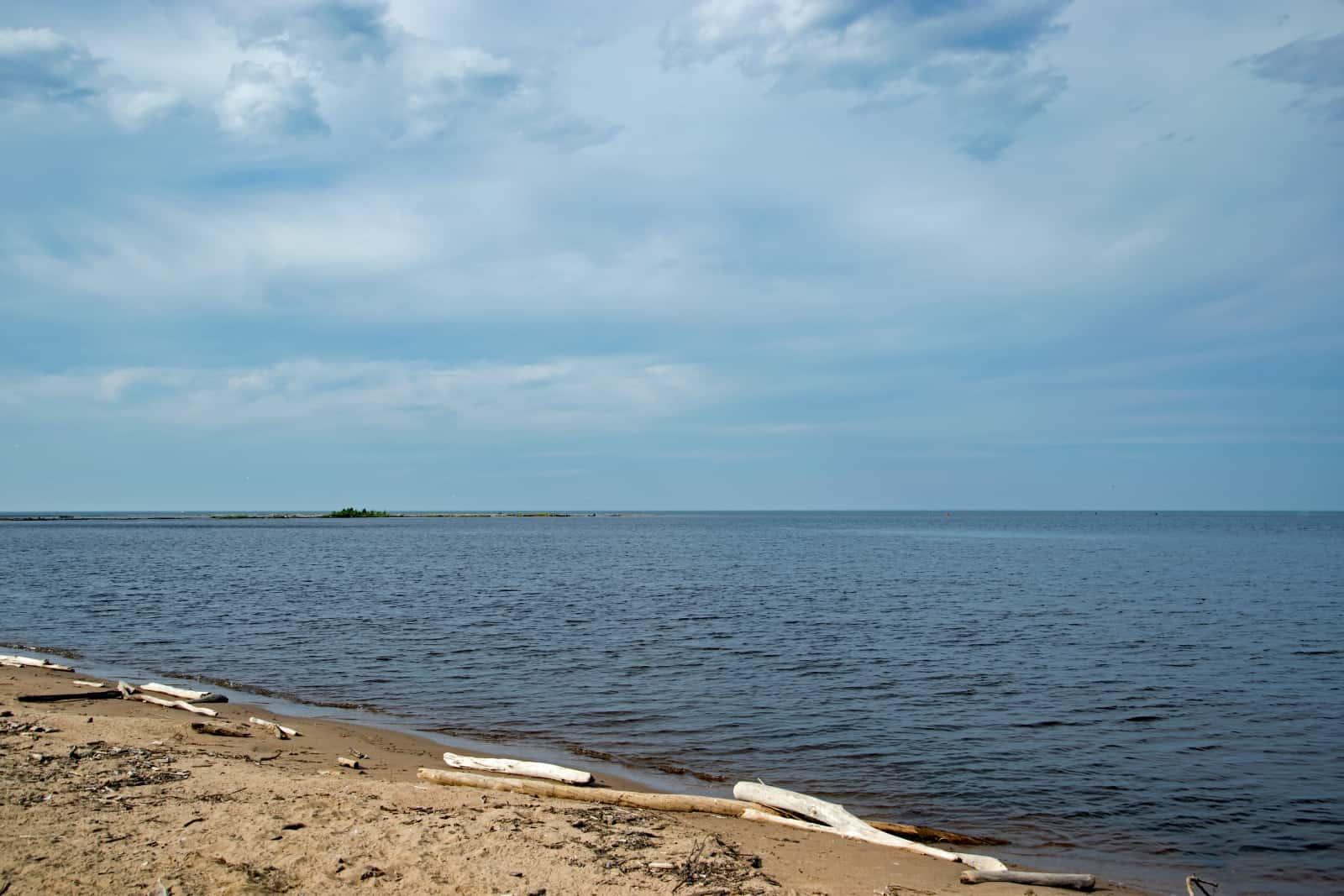 Am Great Slave Lake, dem Großen Sklavensee in Hay River. Der See ist 50 mal größer als der Bodensee. Foto Daniela Ganz