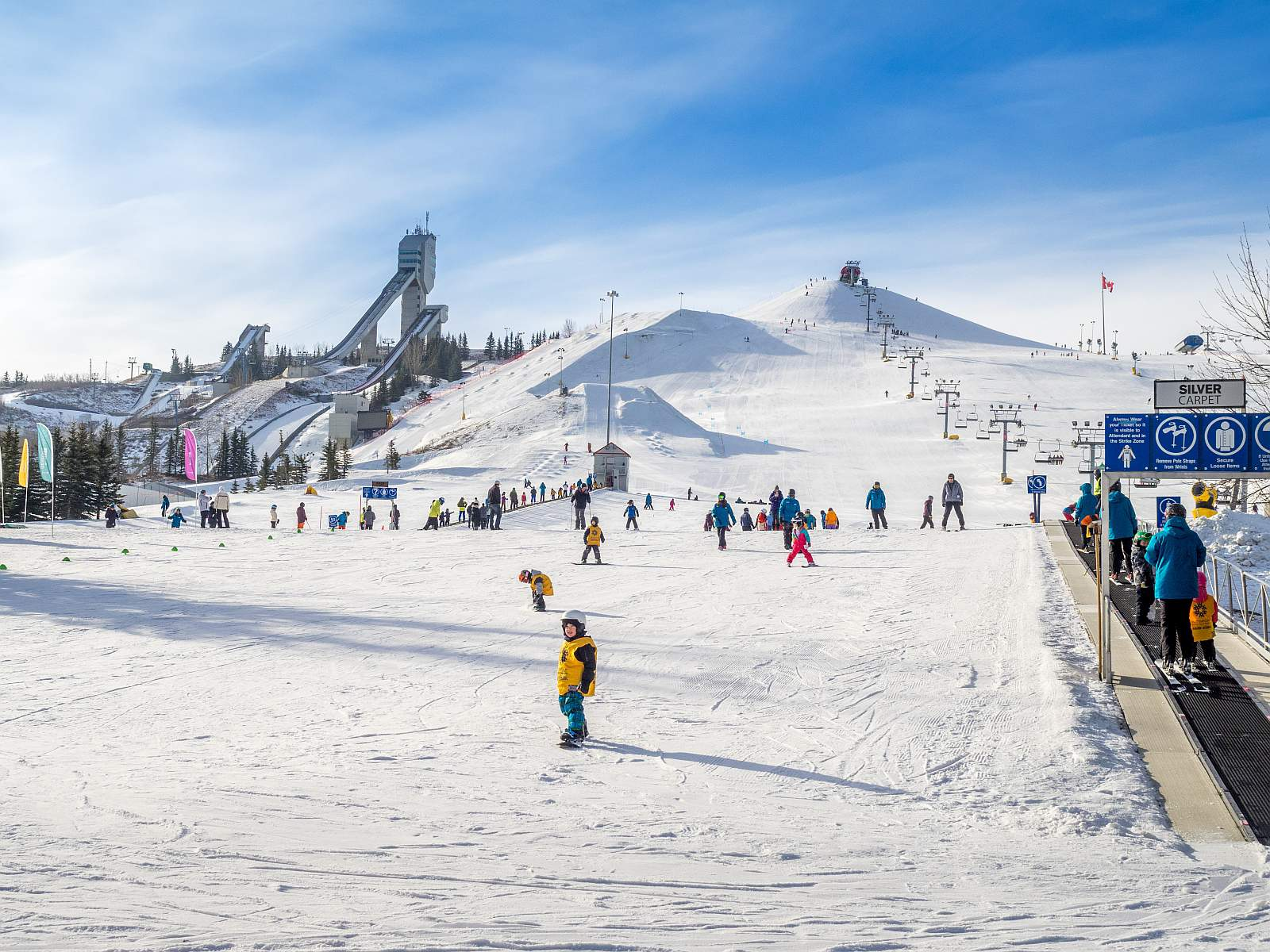 Wintersport im Canada Olympic Park in Clagray. Foto StockImage
