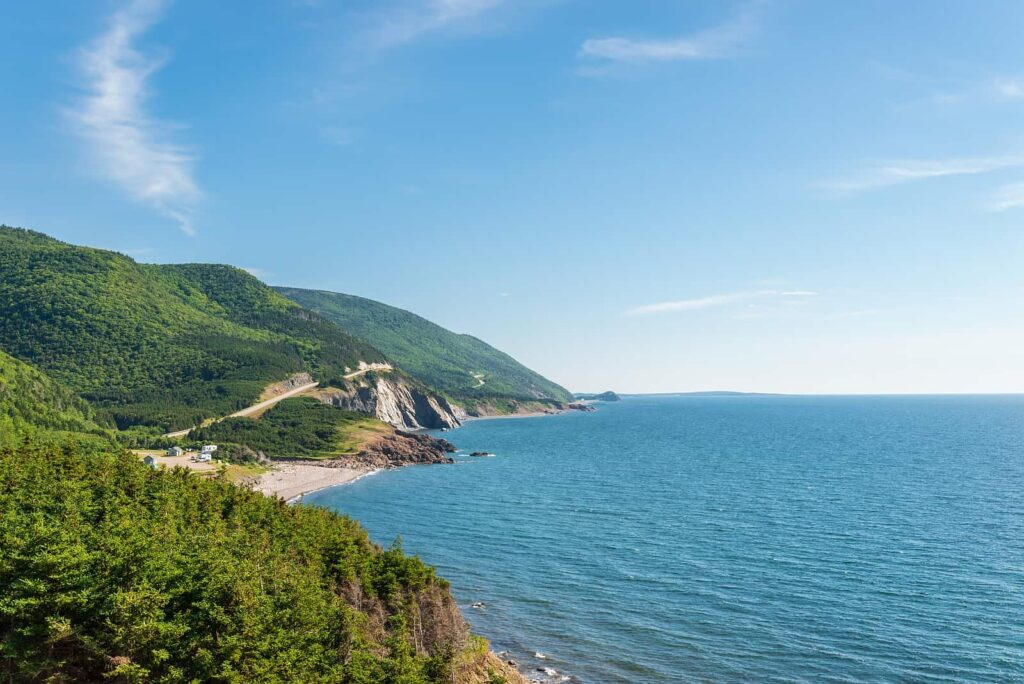 Bezaubernder Blick auf die Panoramastraße Cabot Trail auf Cape Breton Island in Nova Scotia. Foto VadimPetrov/Stockfoto