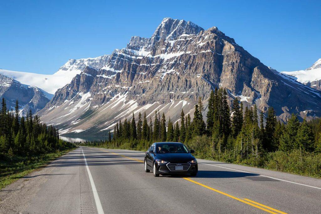 Unterwegs auf dem Icefields Parkway im Sommer. Foto edb3_16/Stockfoto