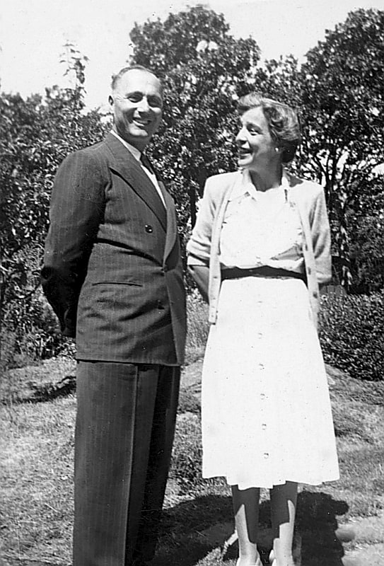 Peggy & Nicholas, die Gründer und Gestalter des Abkhazi Garden. Foto Philippa Proudfoot/The Land Conservancy of BC
