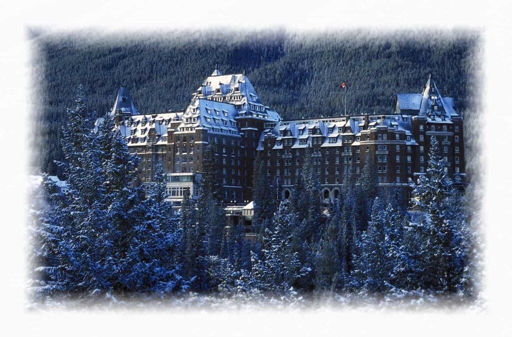 Ein Träumchen, das Fairmont Banff Springs Hotel im Winter. Foto DesignPicsInc/Deposit