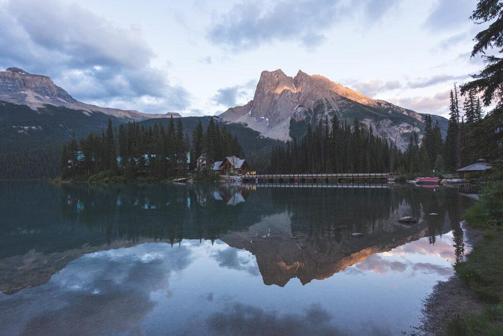 Blick auf den Emerald Lake, Yoho Nationalpark, Britisch Columbia. Foto Johan Lolos