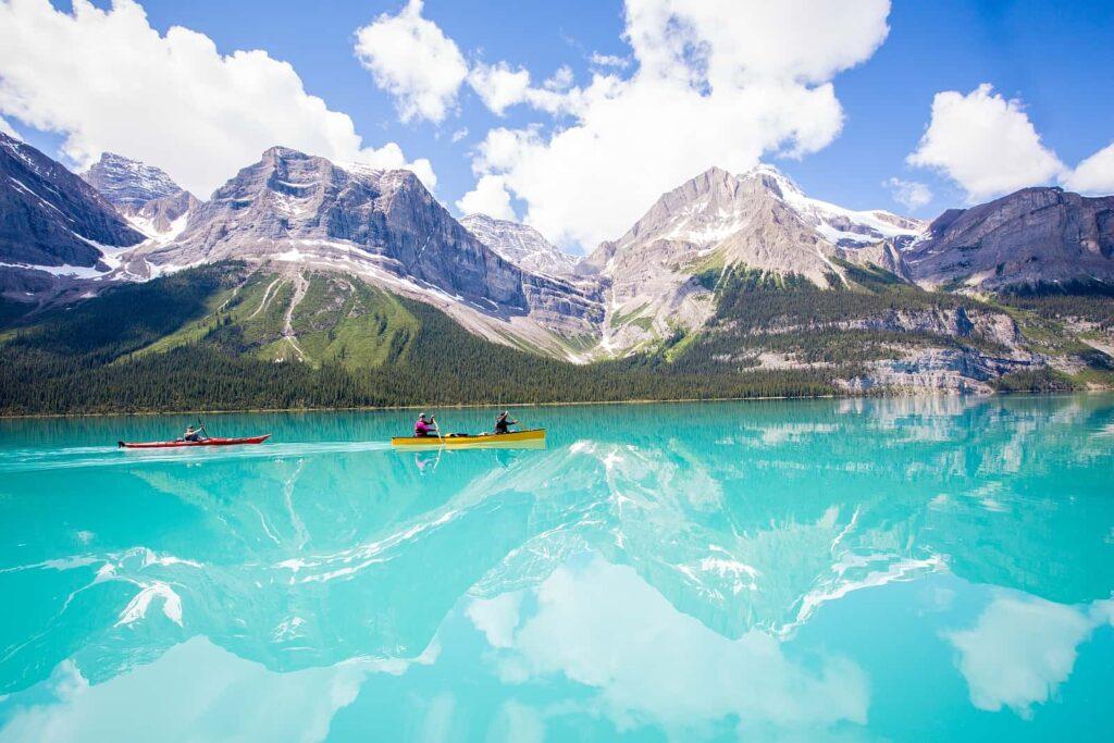 Der Maligne Lake, ein Juwel inmitten der beeindruckenden Bergwelt des Jasper Nationalparks in Alberta. Foto Parks Canada/Ryan Bray