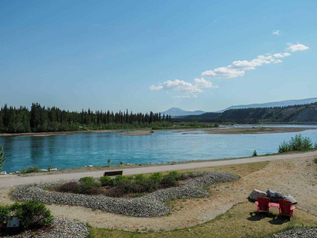 Der Yukon River war die Lebensader für Whitehorse und das Territorium, bis die Eisenbahn und später der Alaska Highway kam. Foto TobiasBarth