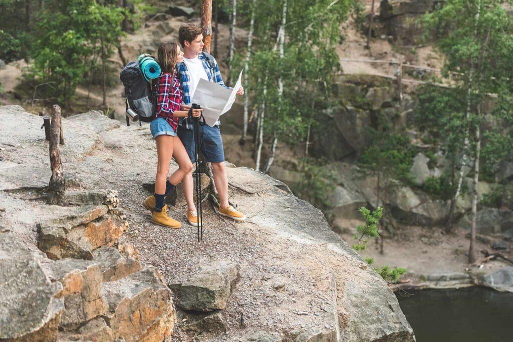 Packliste Urlaub mit Camping und Wandern abgearbeitet? Dann wünschen wir euch einen wunderschönen Urlaub in Kanada. Foto ArturVerkhovetskiy / Deposit