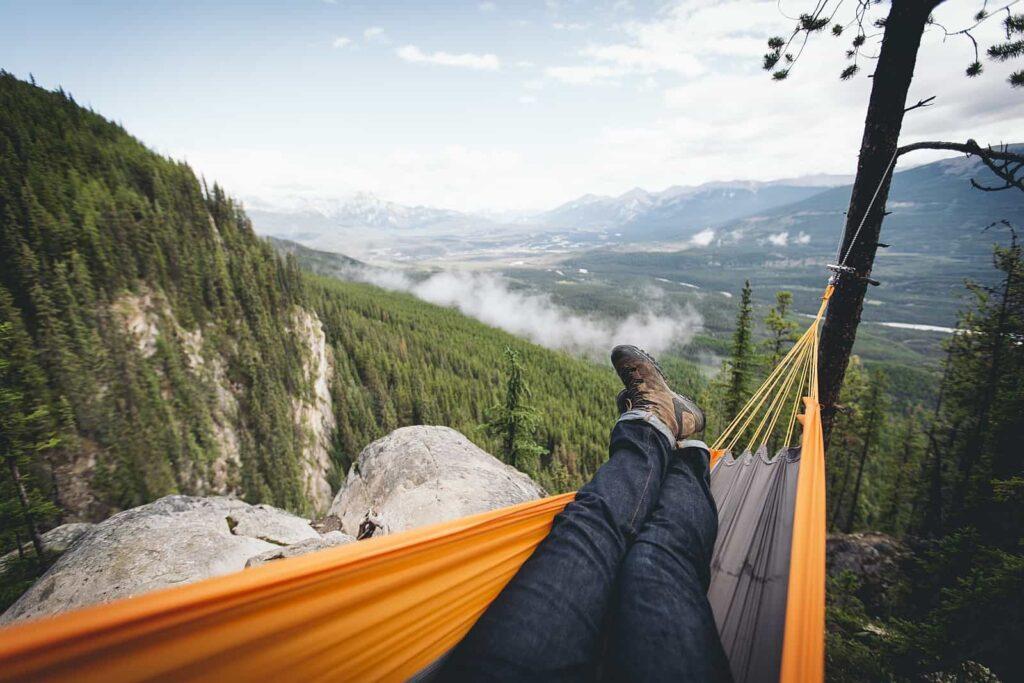 Wir wünschen euch einen schönen Urlaub in Kanada, am besten natürlich beim Campen, denn da erlebt ihr das Land besonders intensiv und sehr relaxed, wie hier im Banff National Park in Alberta. Foto Johannes Becker