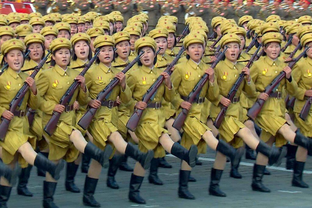 Militärparade in der Demokratischen Volksrepublik Nordkorea. Foto © Getty Images