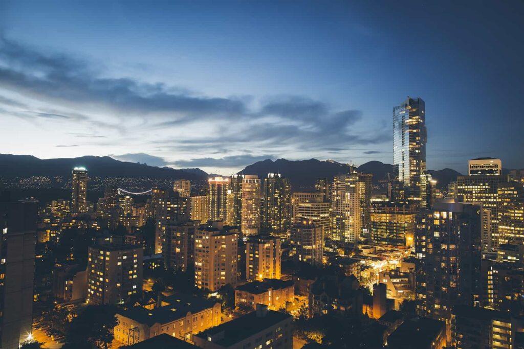 Sommerliche Abendstimmung in Vancouver, der Perle am Pazifik. Foto Tim McGurr