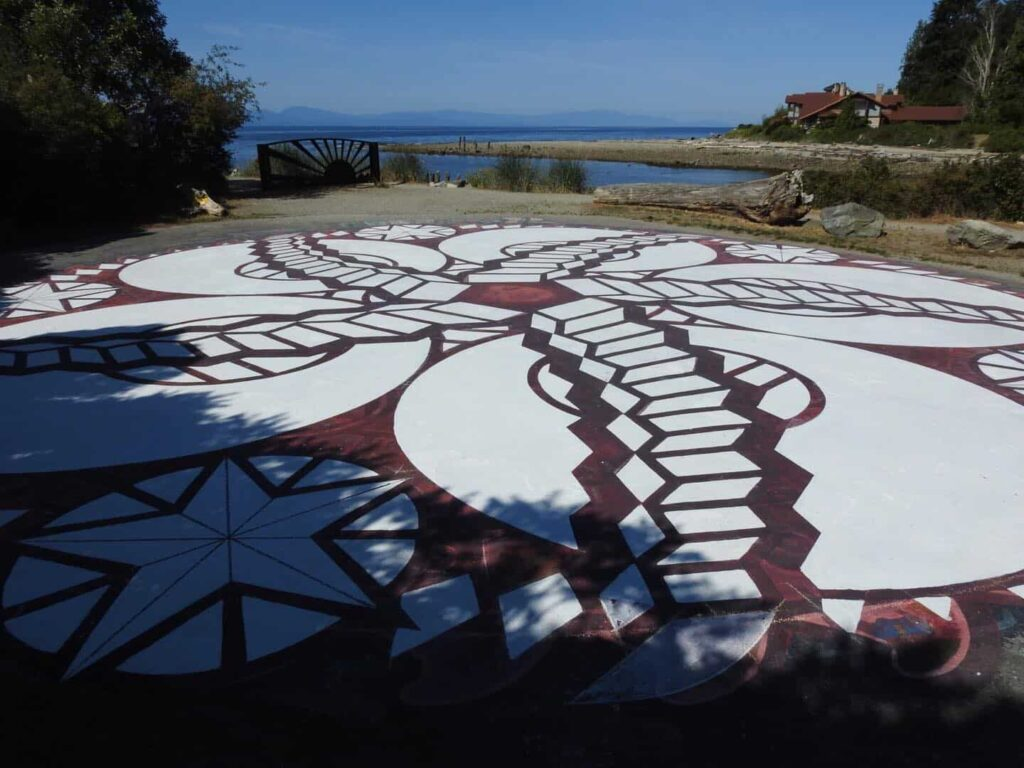 Wer würde da nicht gerne an diesem Traumbild mitarbeiten? Roberts Creek in strahlendem Sommersonnenschein. Foto David Moul