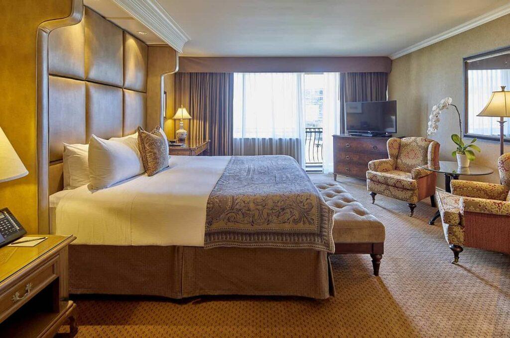 Wunderschöne Zimmer und Suiten erwarten den Urlauber oder die Honeymooner. Foto © Wedgewood Hotel & Spa - Relais & Chateaux