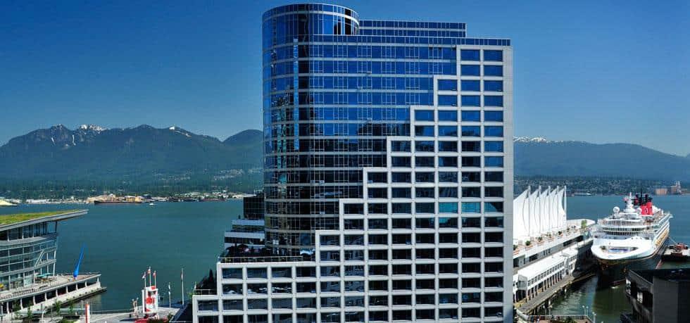 Blick auf das Fairmont Waterfront Hotel in Vancouver. Foto © Fairmont Waterfront / AccorHotels