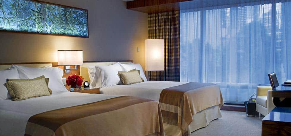 Ein entspannter Schlaf nach einem spannenden Tag in Vancouver. Zimmer im Fairmont Pacific Rim. Foto © Fairmont Pacific Rim, Vancouver