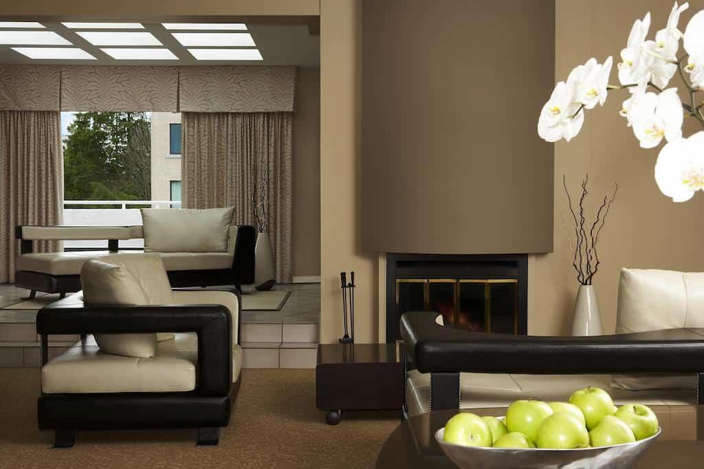 Ein Blick ins wunderschöne Innere. Foto ©Rosellen Suites at Stanley Park