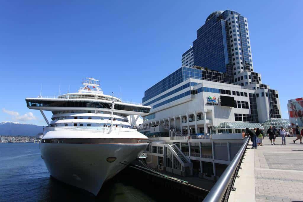 Was für ein Traum, das Pan Pacific Vancouver Hotel, direkt am Wasser gelegen. Foto © Pan Pacific Vancouver Hotel
