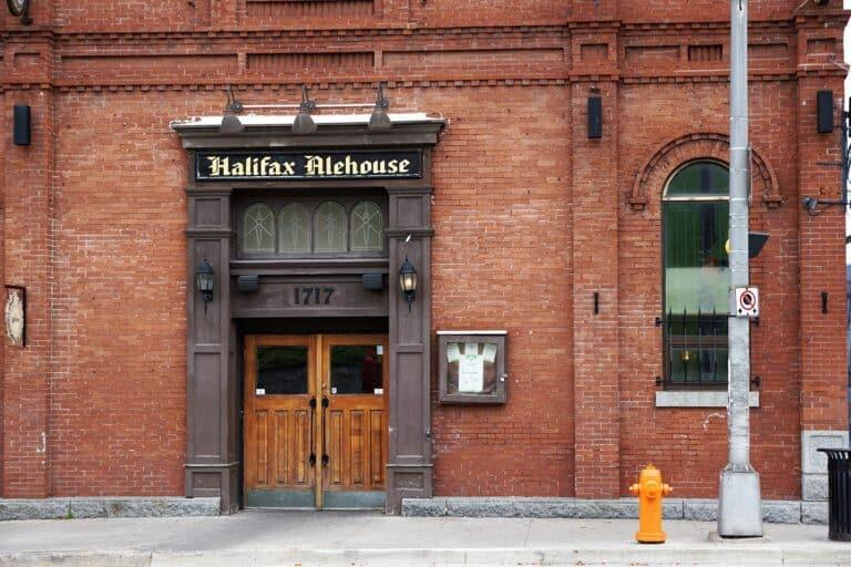 Lädt ein auf ein Bier, das Halifax Alehouse. Foto photosforyou / Pixabay