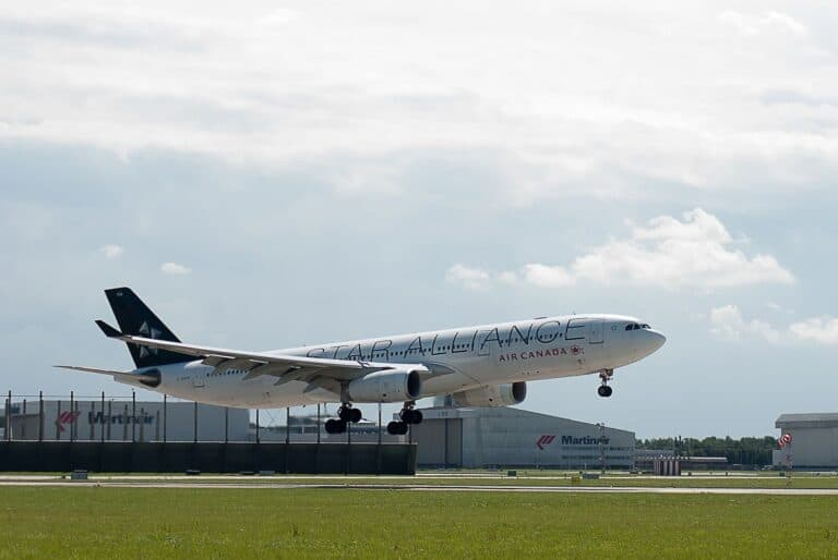 Ein Flugzeug des Star Alliance Mitglieds Air Canada. Foto cor gaasbeek / Pixabay