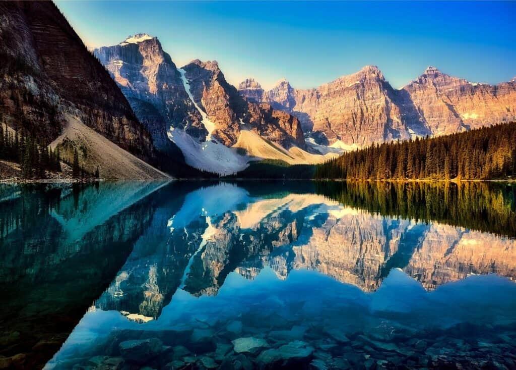 Traumhafte Landschaften warten auf den Kanada-Urlauber. Foto David Mark / Pixabay