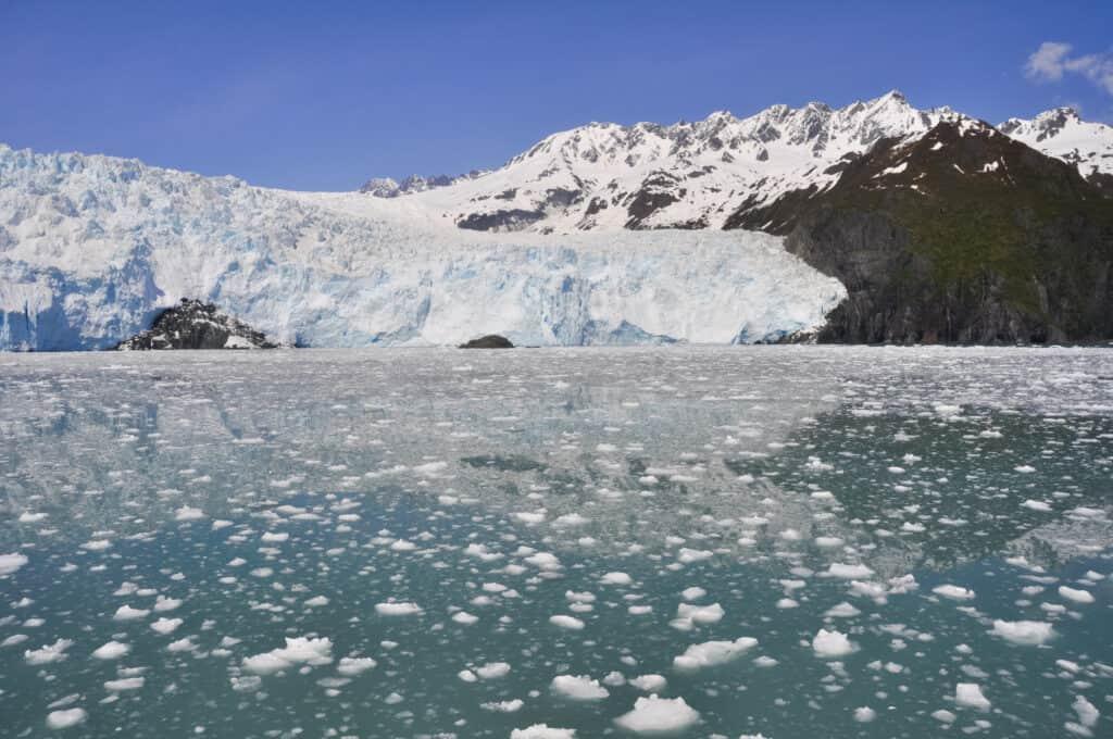 Eindrucksvoller Blick auf einen Gletscher im Kenai Fjords Nationalpark. Foto naticastillog/ deposit