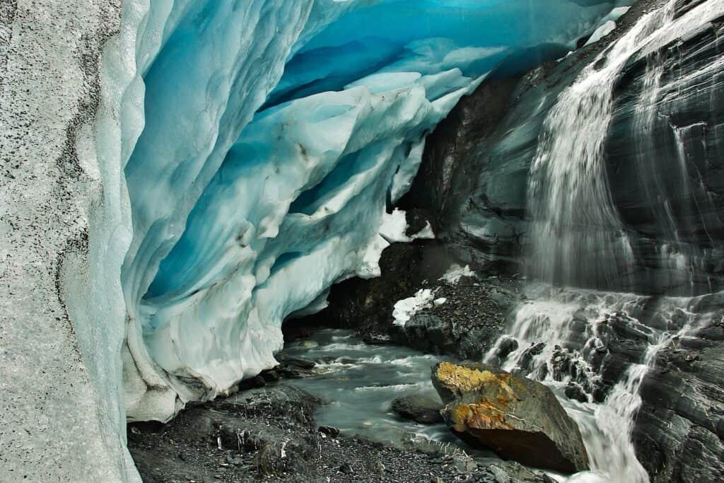 Eisige Szenerie am Worthington Glacier. Foto roussien / Deposit