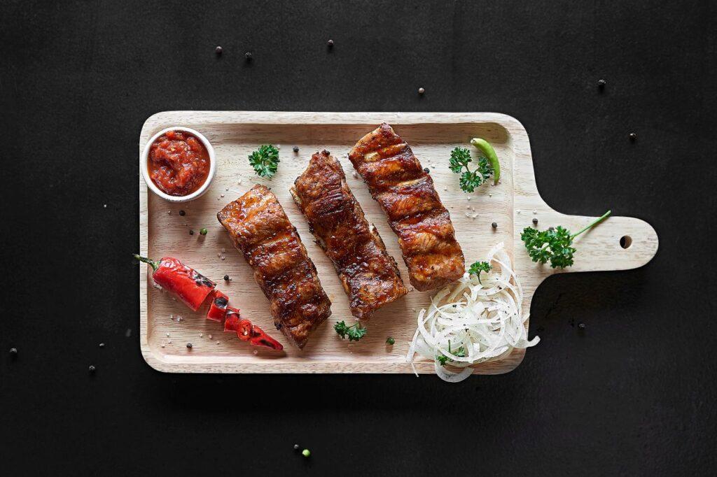 Auch Fleisch wird mit Ahornsirup zur Delikatesse. Foto romablack / Deposit