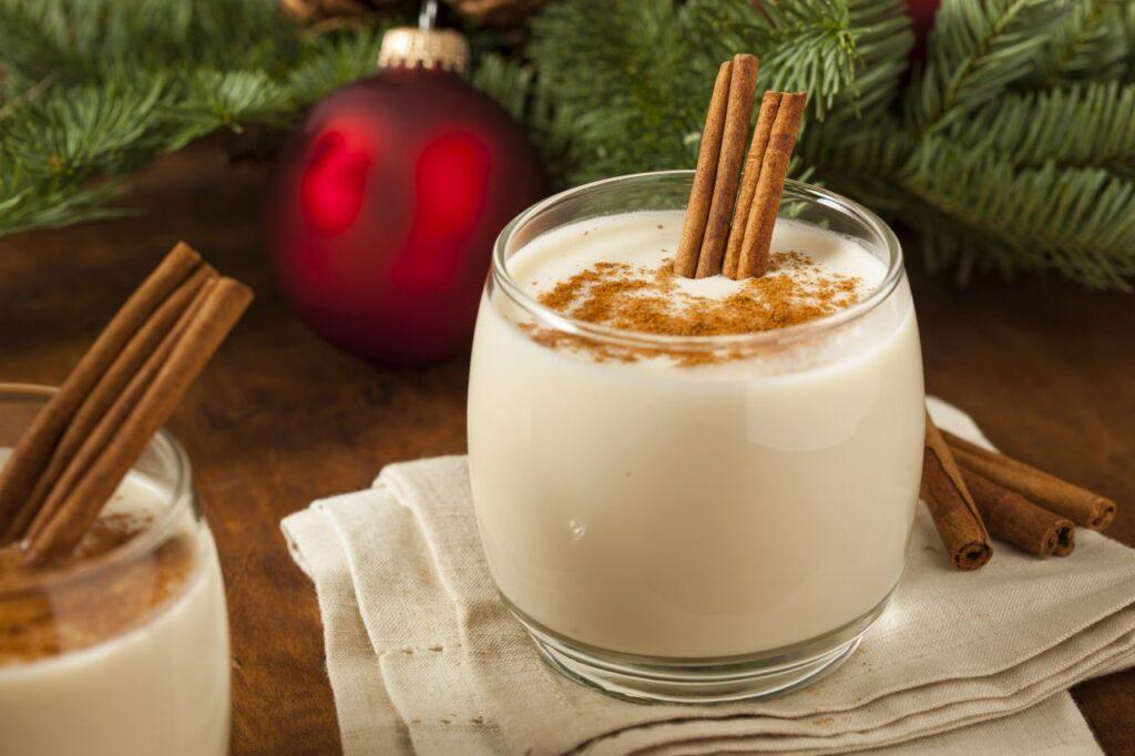 Der Eggnog ist in Kanada ein beliebtes Winter-Weihnachtsgetränk. Foto bhofack2 / Deposit