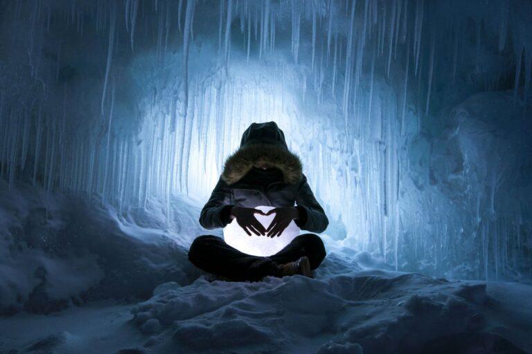 Magische Orte, Eishöhlen im Norden Ontarios. Foto Dan Grisdale
