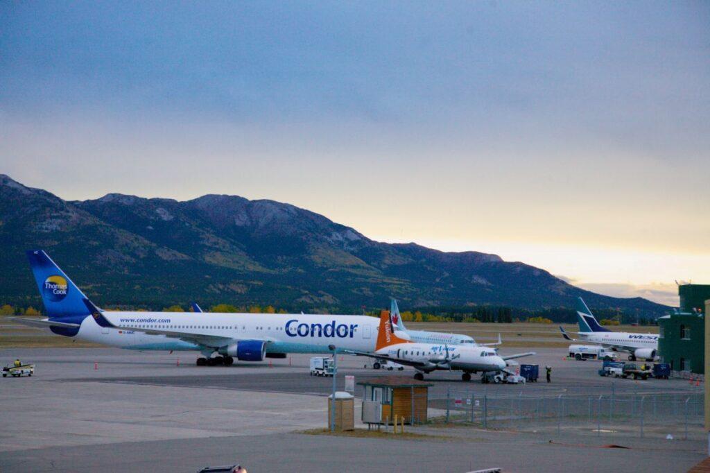 Viele Wege führen in den traumhaft schönen Yukon. Einer davon ist der direkte Luftweg von Frankfurt nach Whitehorse. Foto Holger Bergold