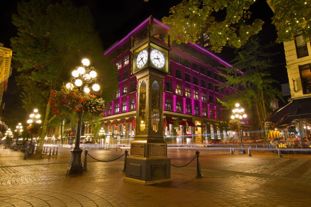 Alt Vancouver: Der historische Stadtteil Gastown mit der berühmten Steam-Clock. Foto jpldesigns / Deposit