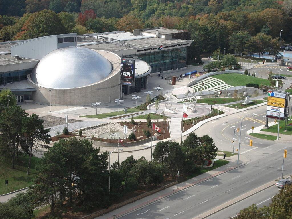 Blick auf das Ontario Science Centre. Foto BuBZ / Public Domain