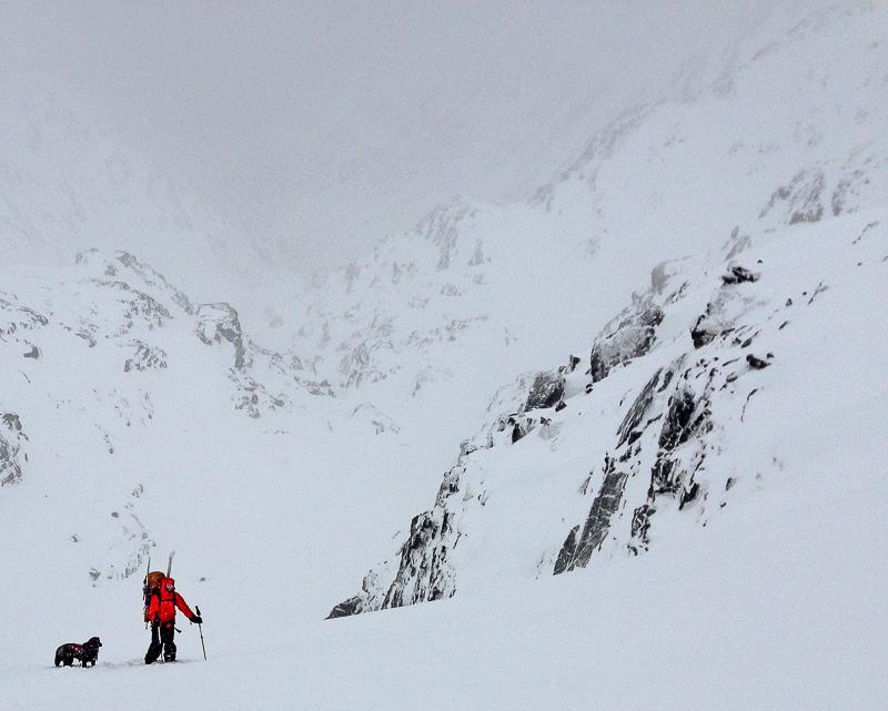 Auf dem Chilkoot Trail atmet man im Sommer wie auch im Winter mit jedem Schritt des Geist des Großen Klondike Goldrausch. Oberhalb der Golden Stairs. Foto YukonHiking